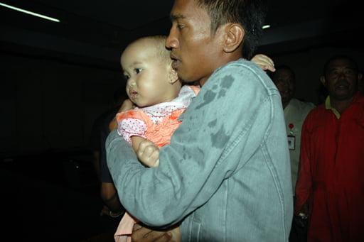 Einjähriger überlebte Schiffsuntergang Foto-Quelle: Jakarta Post