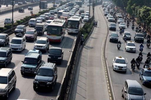 Die schöne Zeit der leeren Straßen ist vorbei - Nach einer Woche herrscht wieder Stau auf Jakartas Straßen Foto: Jakarta Post