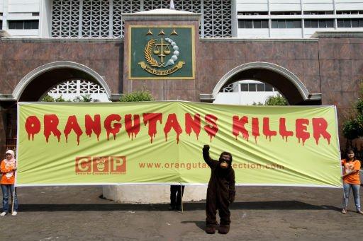 Aktivisten Demonstrieren vor der Generalstaatsanwaltschaft Foto: (Antara / M. Agung Rajasa) Fotoquelle: Kompas.com