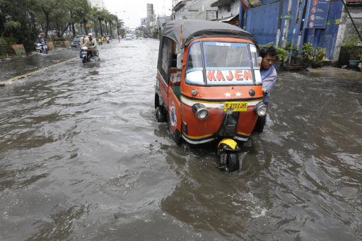 Jakarta steht wieder einmal unter Wasser