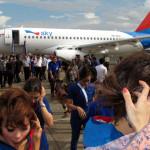 Erster Superjet 100 an indonesische Fluggesellschaft ausgeliefert.