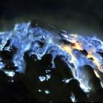 Naturschauspiel am Vulkan Kawah Ijen in Ost Java