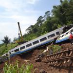 rp_Evakuasi-Gerbong-Kereta-Api-Malabar-050414-ADB-2-150x150.jpg