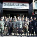Umstrittenes Nazi-Kaffee wiedereröffnet