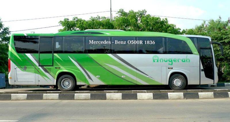 Mercedes Bus ist zu leicht für Jakartas Straßen