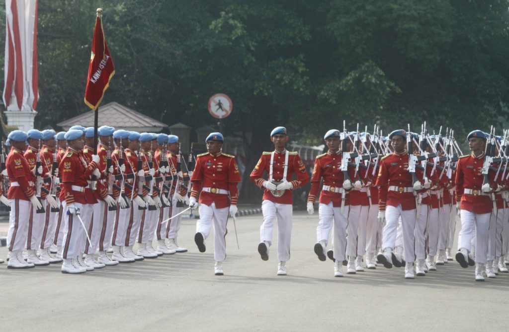 Wachwechsel am Präsidentenpalast in Jakarta / Screenshot: Kompas.com (Antara Foto / Reno Esnir)