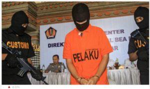 Holländer in Bali vor Gericht Foto: Screenshot ad.nl