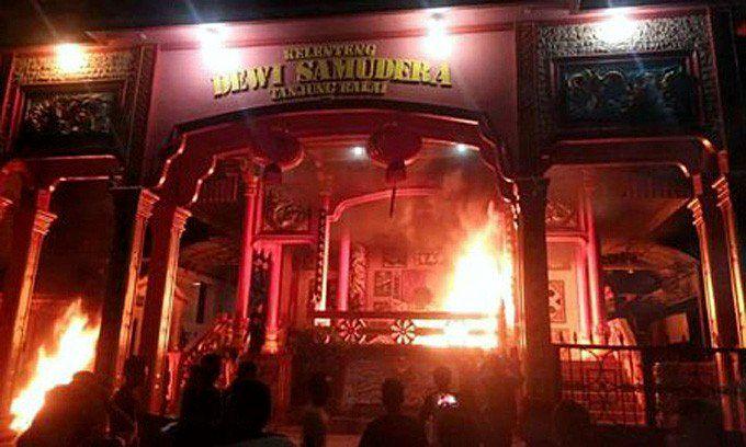 Nord Sumatra Buddhistische Tempel geschändet / Screenshot: Jakarta Post 01.08.2016
