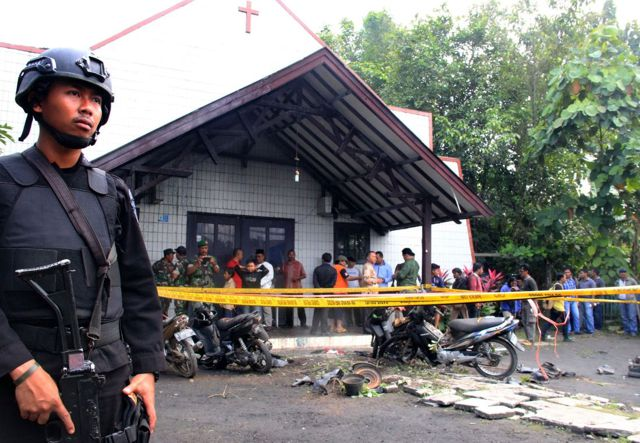 Religiöser Terrorangriff fordert Todesopfer / Foto: time.com/4569333/indonesia-terrorism-church-east-kalimantan-attack-children/
